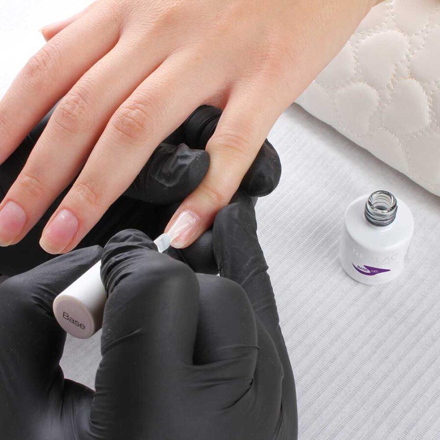 Realac bazinis gelinio lako sluoksnis procedūra
